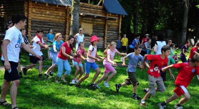 Діти поліцейських зі Сходу України відпочиватимуть на Закарпатті
