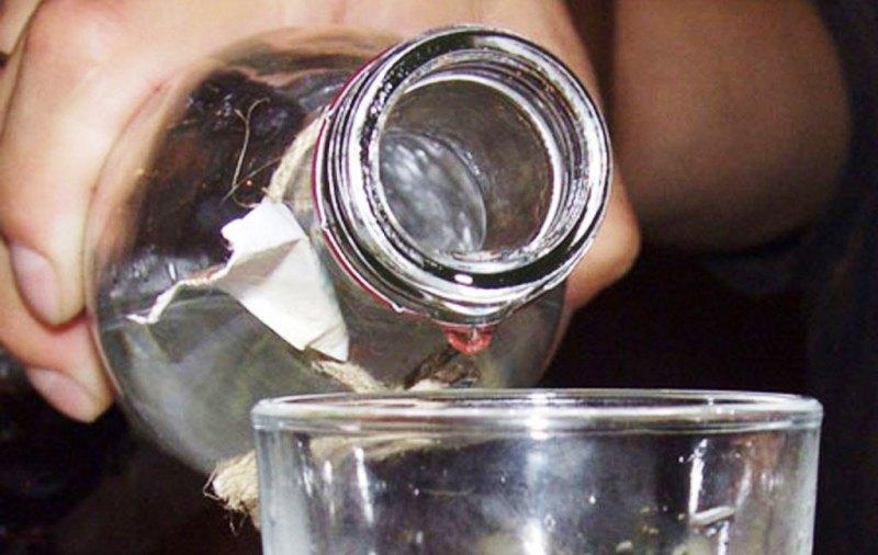 Чоловік привіз на Закарпаття понад 20 тисяч літрів сурогатного спирту