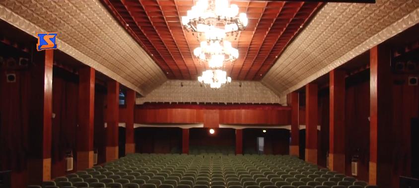 Депутати зробили крок назустріч переїзду театру драми та комедії з Мукачева у Хуст