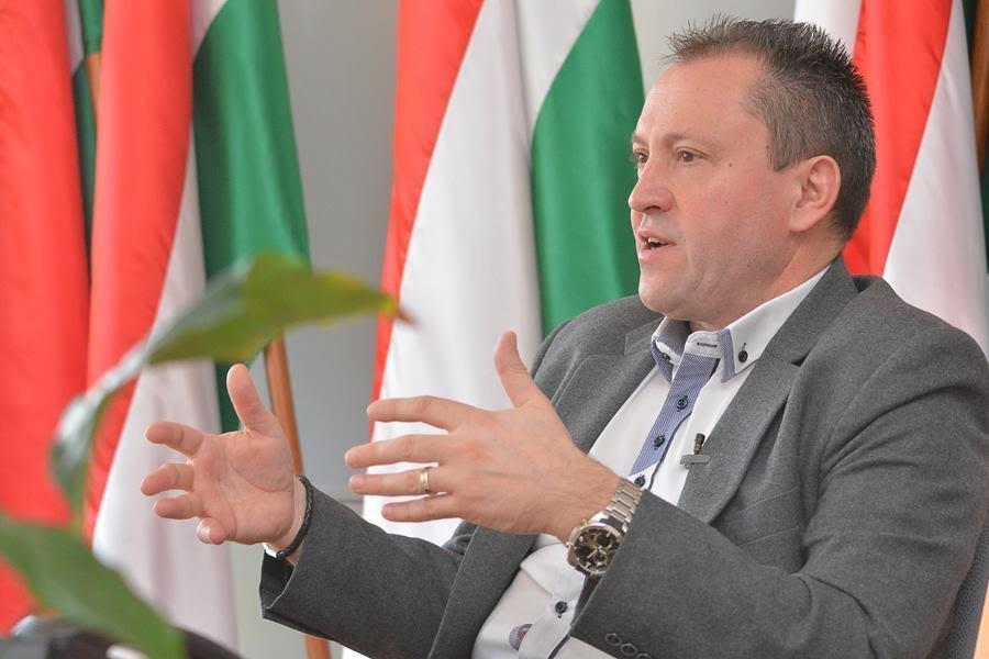 Генконсул Угорщини в Ужгороді про безвіз та проблему подвійного громадянства