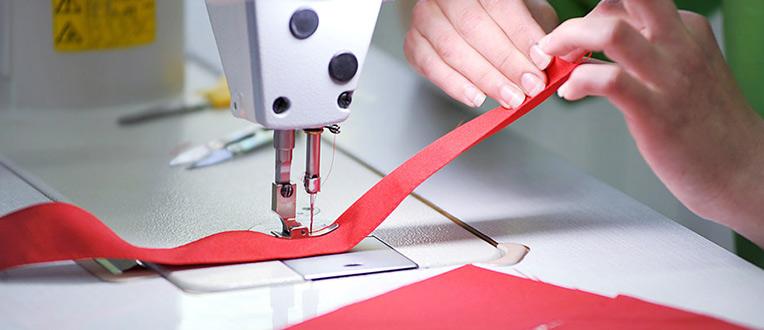 Понад сотня людей з обмеженими можливостями працює в Ужгороді на швейній фабриці