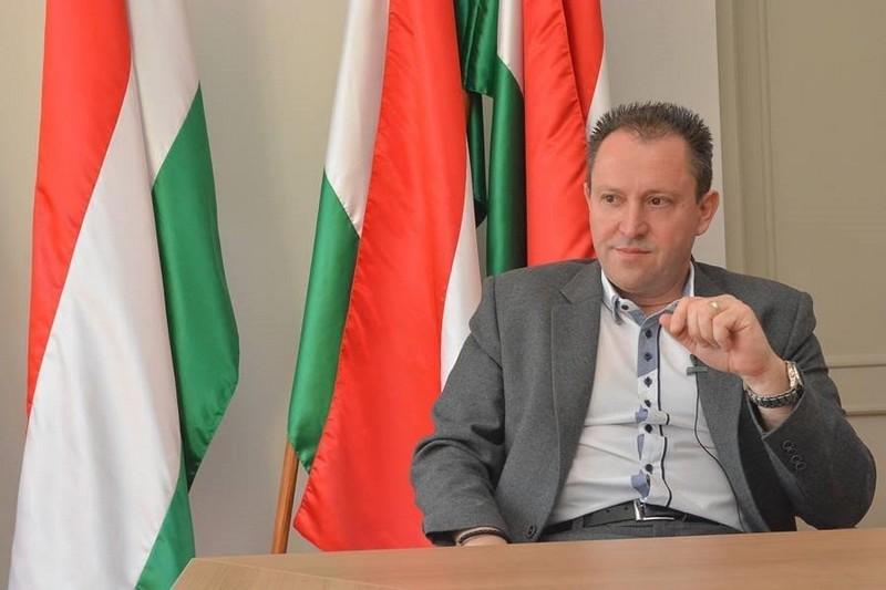 """""""Чомусь, коли Угорщина постачає ліки та всіляко допомагає, фрази про сепаратизм не лунають"""", – Йожеф Бугайла"""