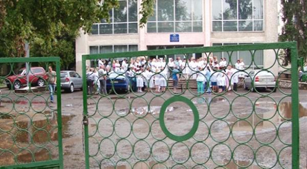 В Ужгородській районній лікарні досі користуються обладнанням, якому понад 30 років