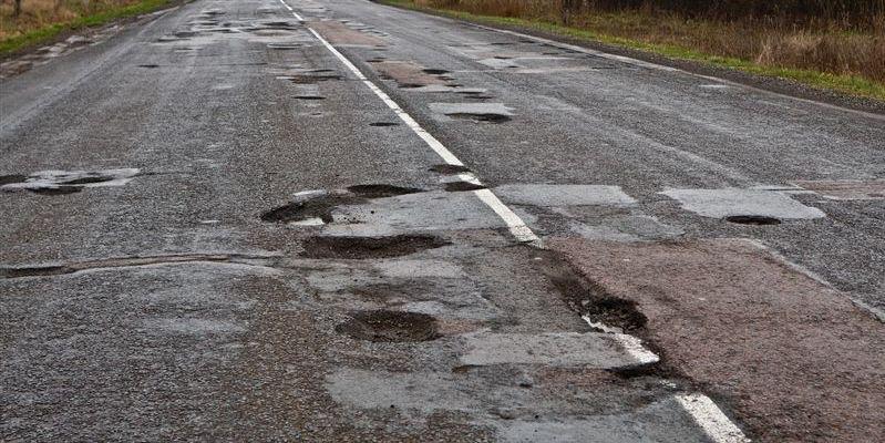 Закарпатські депутати проситимуть від держави більше грошей на ремонт доріг