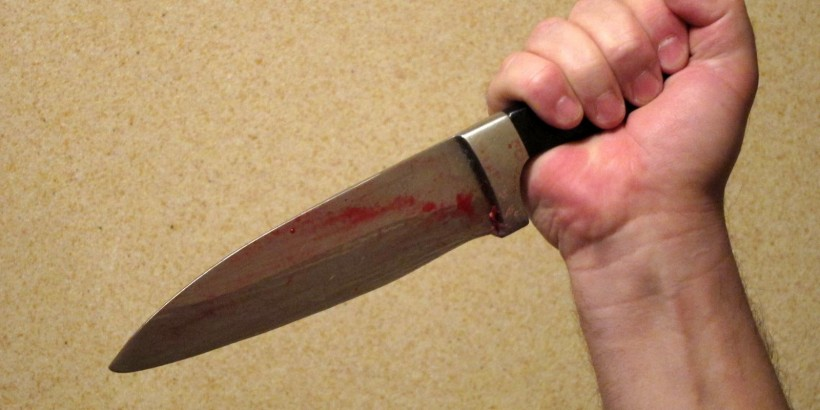 На березі Ужа один хлопець штрикнув ножем іншого. Причина – симпатія до дівчини
