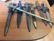 Житель Мукачева прийшов у поліцію зі сімома штик-ножами