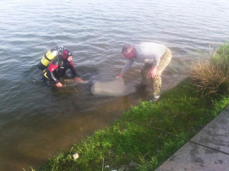 Франківські водолази виловили у міському озері тіло місцевого мешканця