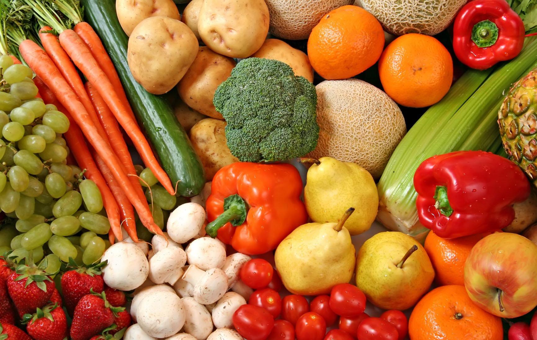 В Ужгороді ціни на овочі та фрукти здорожчали майже на 20%  083cb7aff6a83