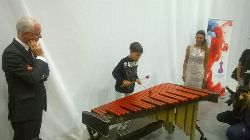 Угорщина подарувала дитячій школі мистецтв музичний інструмент
