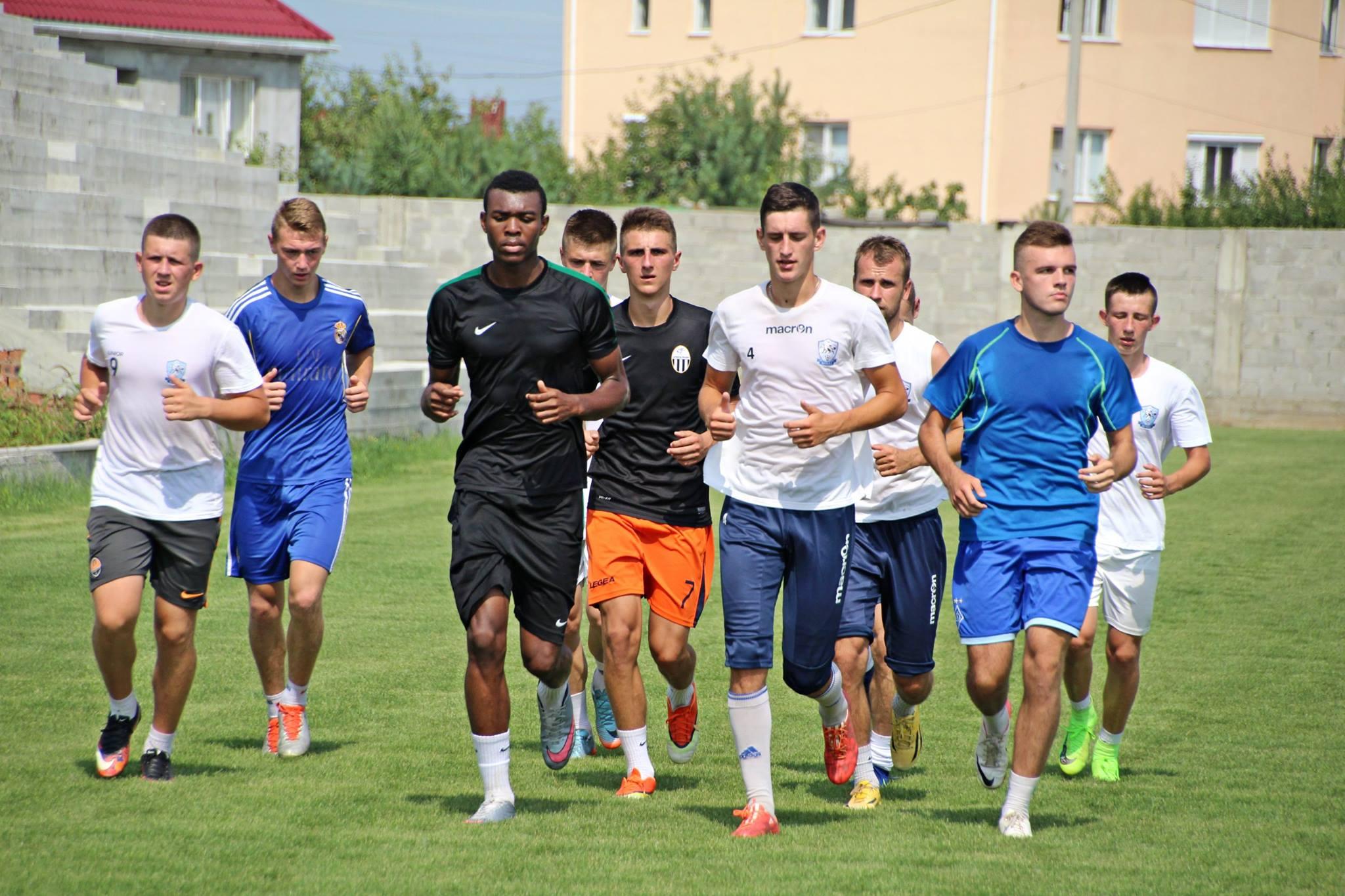 Гравці ФК «Минай» провели перше тренування напередодні матчів аматорського чемпіонату України