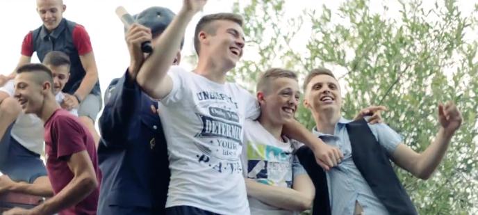 Закарпатські школярі розірвали інтернет своєю пародією на пісню