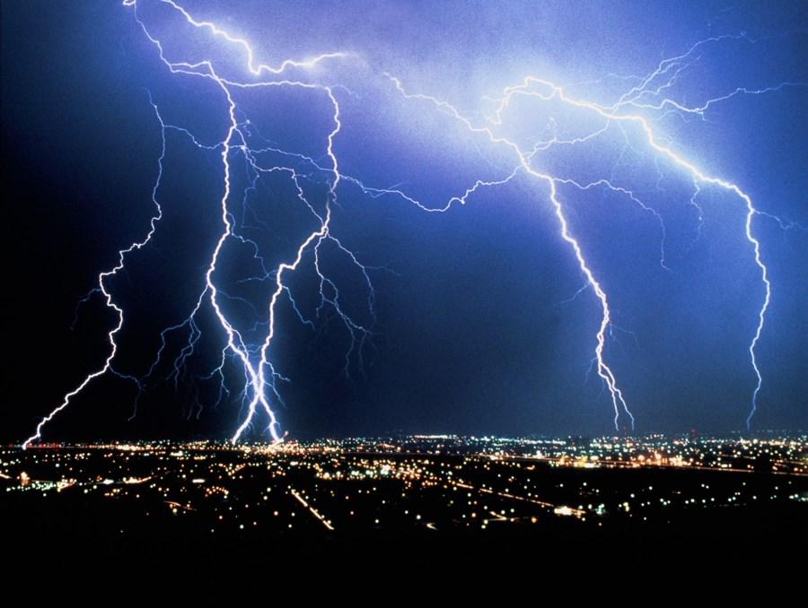 На Закарпатті оголосили штормове попередження: прогнозують сильні опади та град