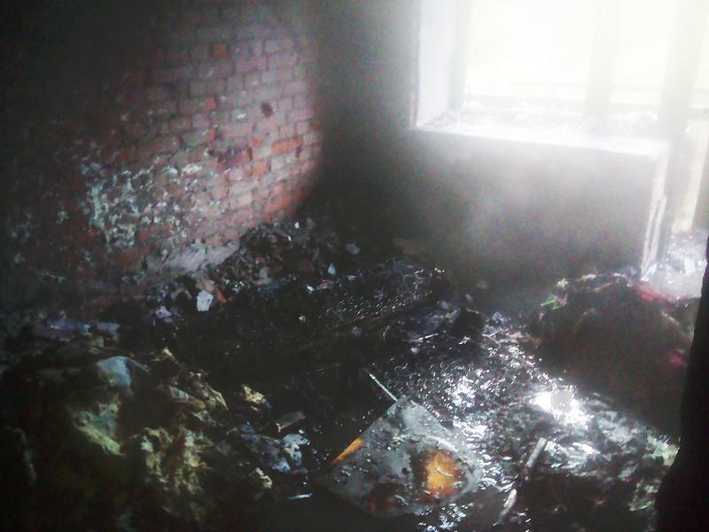 В Ужгороді під час пожежі у багатоповерхівці евакуювали 12 людей