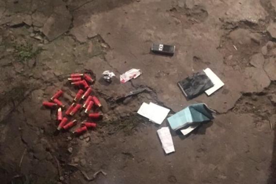 У п'яного чоловіка, який розгулював селом, знайшли холодну зброю