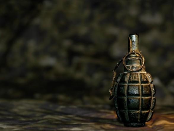 Під автівкою ужгородського прокурора знайшли предмет, схожий на гранату