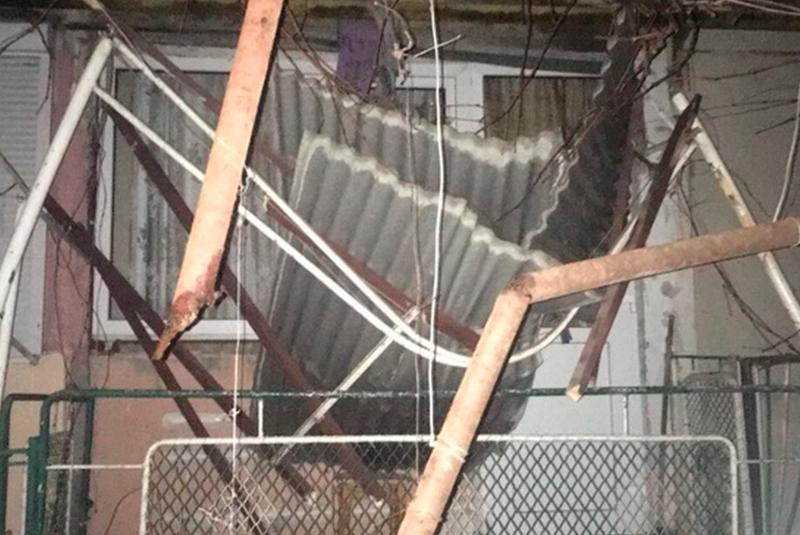 Поліцейські розповіли, чому мукачівка вистрибнула з 5 поверху