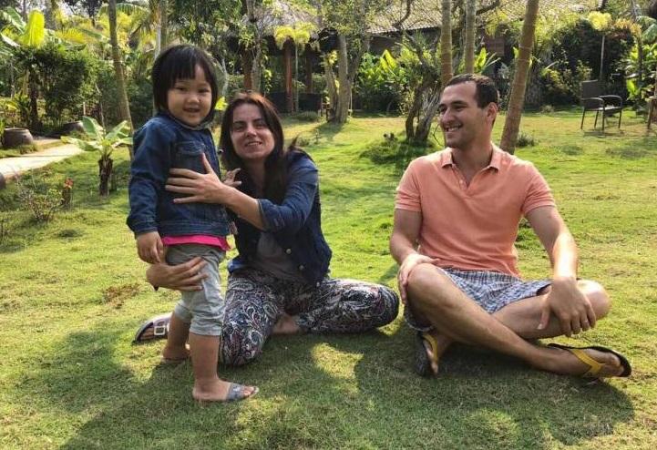 Закарпатка під час відпочинку у В'єтнамі врятувала життя 4-річній дівчинці