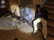 Вночі мукачівські патрульні затримали чоловіка із повною валізою цінних речей та елітного алкоголю