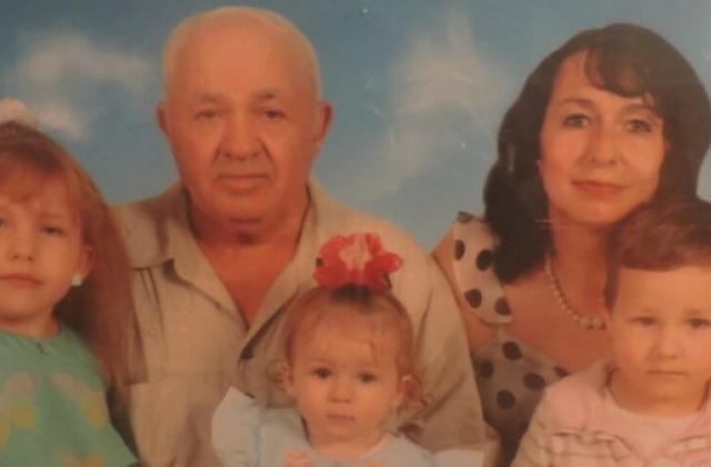 Незвично пізнє батьківство: закарпатець став татом лише у 67 років