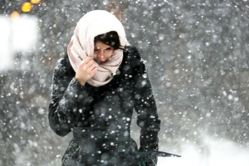 Сніг, вітер, мороз: синоптики попереджають про погіршення погодних умов