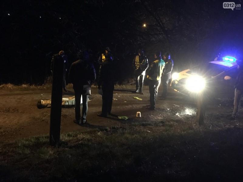 В Ужгороді посеред вулиці виявили труп жінки