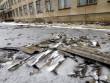 Наслідки негоди у Виноградові: повалені дерева, пошкоджені автомобілі та дах школи
