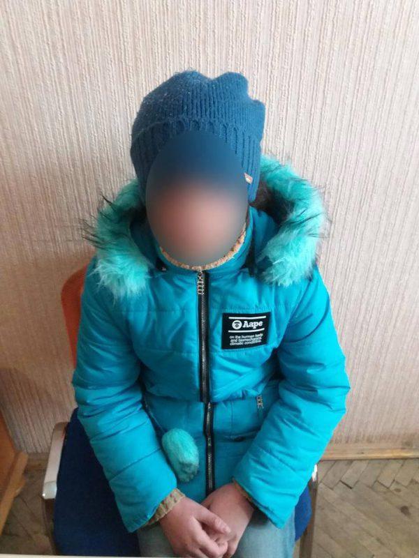 В Івано-Франківську закарпатець змушував жебракувати свою малолітню доньку