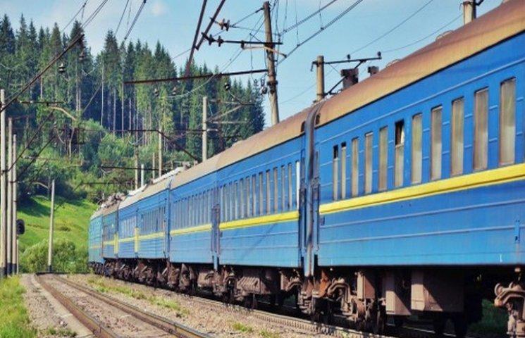 Москаль просить «Укрзалізницю» виділити додатковий – «сакуровий» потяг до Ужгорода