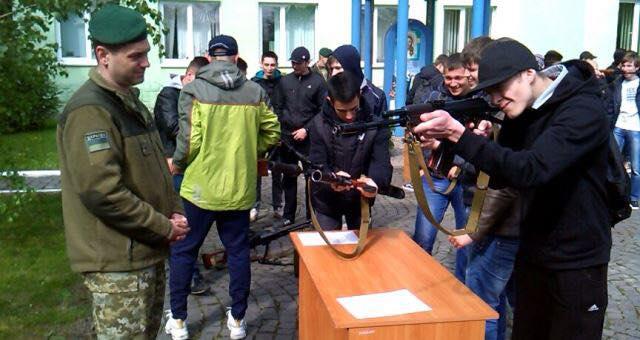 Школярі Мукачева відправляться на триденні навчально-польові збори