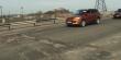 Яма на ямі: журналісти показали стан транспортних мостів у Мукачеві