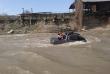 Чоловік через безглузду витівку втопив у річці автомобіль, у салоні якого була його дитина