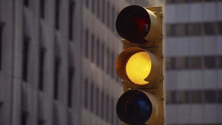 В Україні можуть скасувати жовтий сигнал світлофора