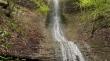 На Закарпатті є маловідомий водоспад, краса якого заворожує