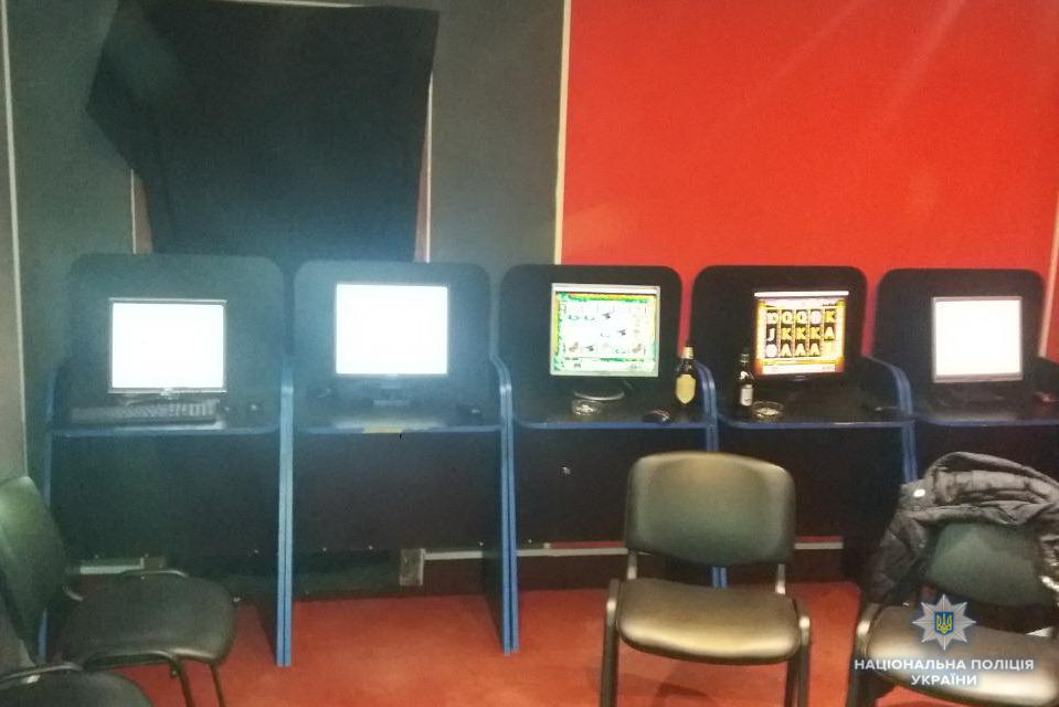 На Іршавщині поліція та громадські активісти викрили ігровий зал