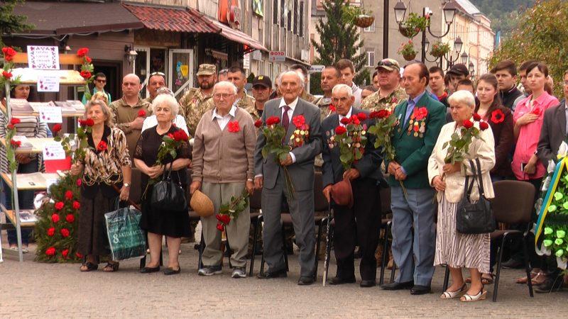 У Хусті вшанували пам'ять полеглих у Другій світовій війні