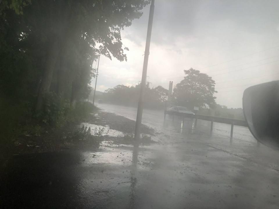 Мукачівщиною та Свалявщиною пронеслась сильна злива з градом