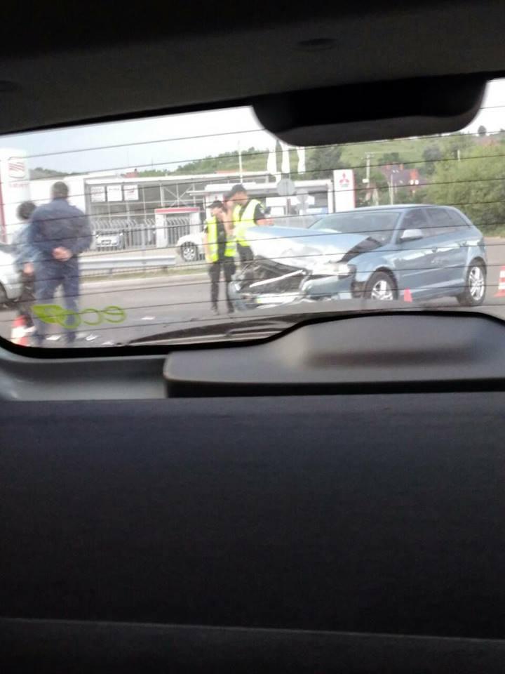 """На трасі """"Київ-Чоп"""" сталась ще одна ДТП: у межах Мукачева зіткнулись дві іномарки"""