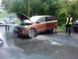У Мукачеві серед білого дня чоловік підпалив позашляховик