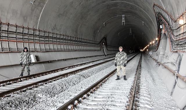 Порошенко показав цікаве відео про Бескидський тунель