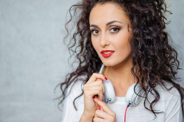 Співачка із Закарпаття потрапила в скандал через її майбутній виступ у Росії. Дівчина пояснила свій мотив