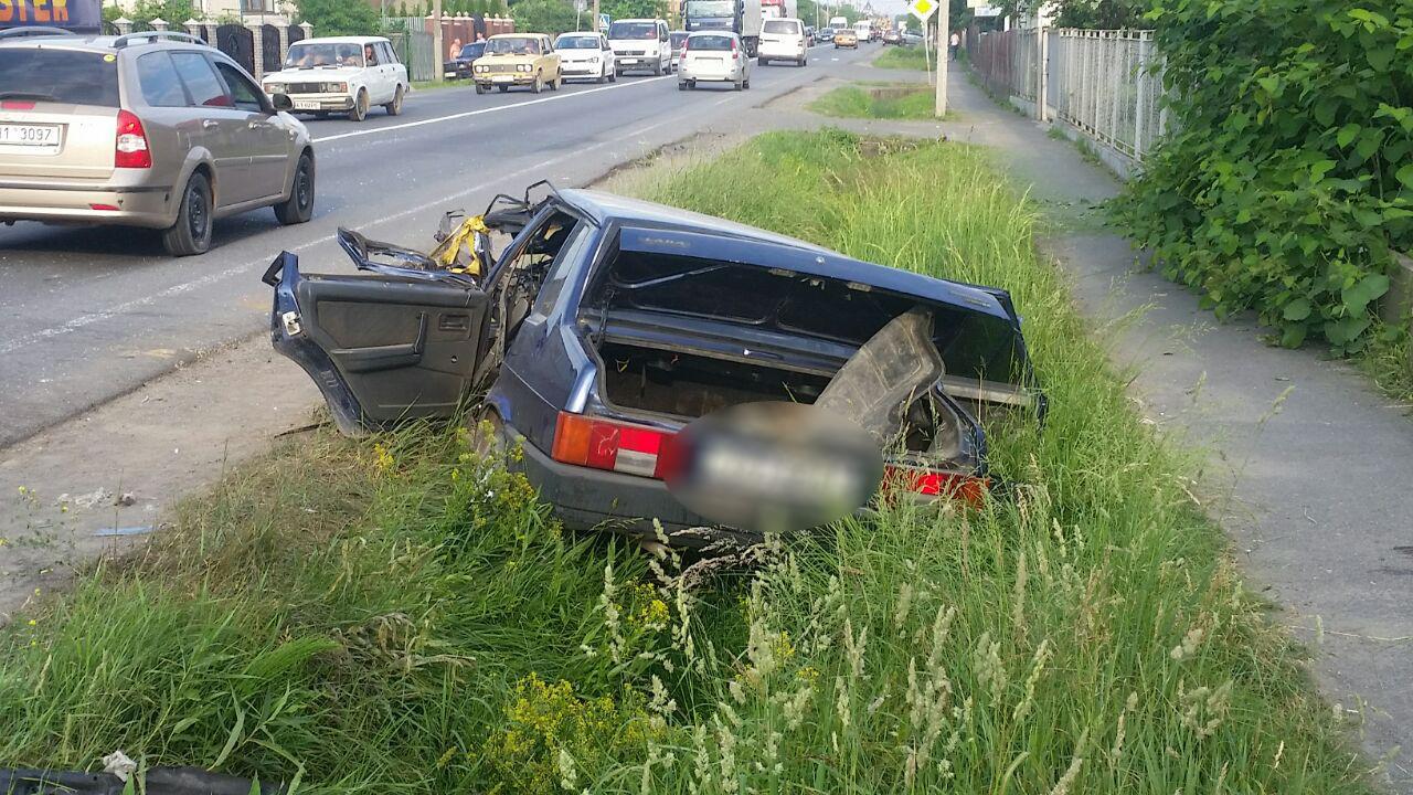 ДТП у Ракошині: автомобіль зіткнувся з пасажирським автобусом
