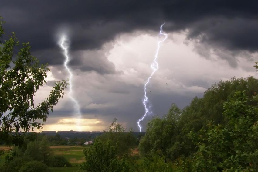 Закарпатські синоптики прогнозують дощі з грозами