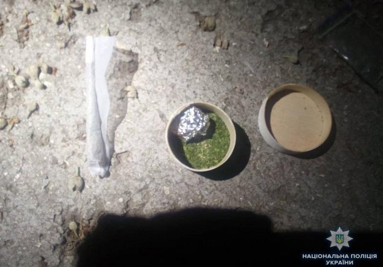 Ввечері у Мукачеві помітили підозрілого чоловіка