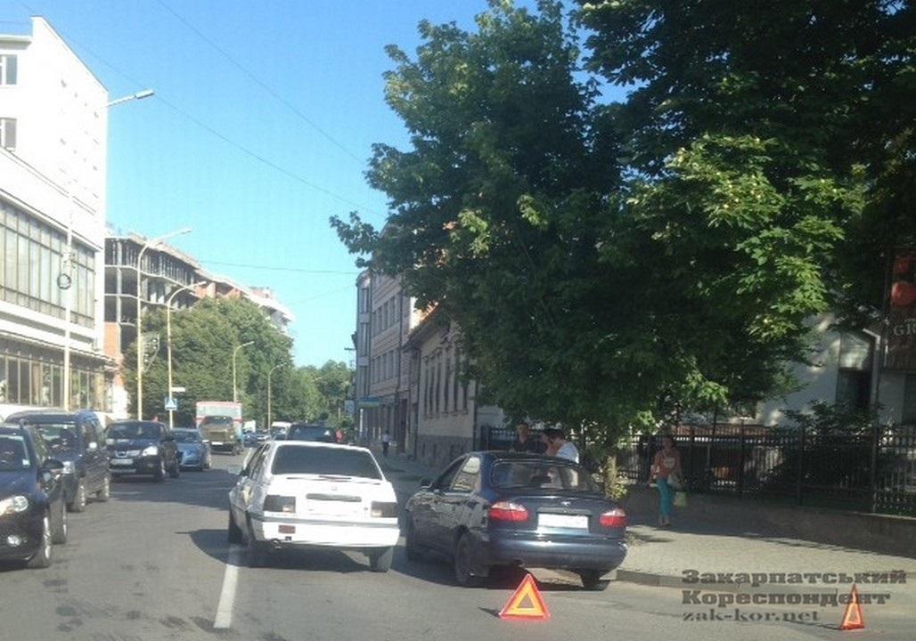 Вранці в Ужгороді сталася ДТП