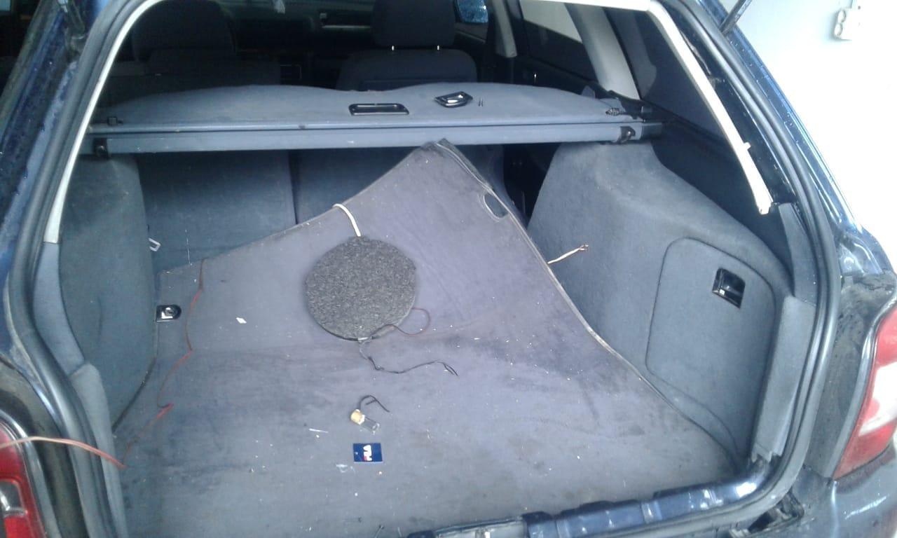 На Великоберезнянщині в автівці прикордонники виявили «музичний» тайник