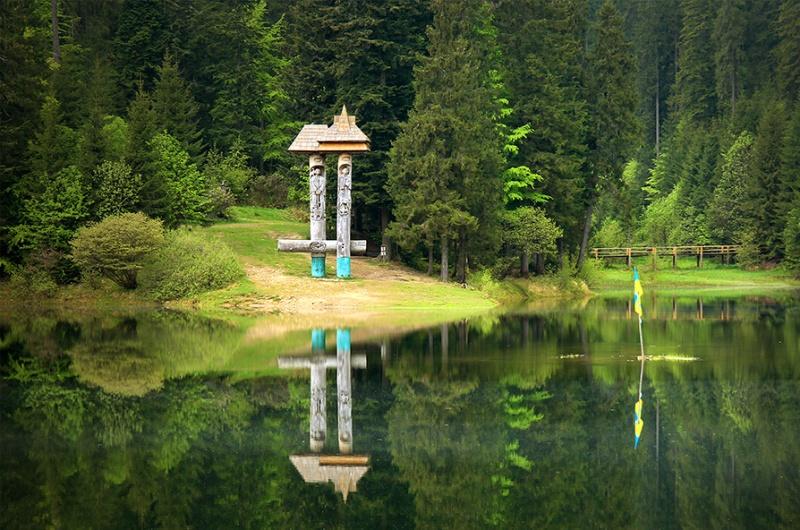 Пікантна ситуація на Шипоті та дивовижне озеро: враження від поїздки на Синевир