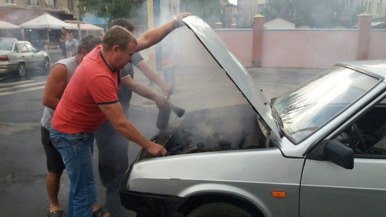 Ранкова пожежа в Ужгороді: горіло авто