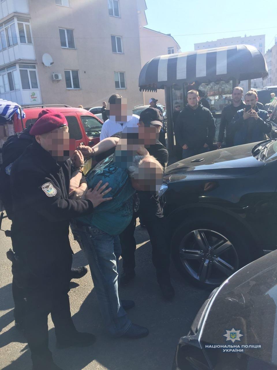 На Київщині закарпатець разом зі спільниками катували підприємця