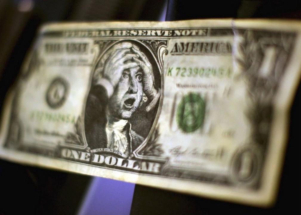 Рекордний курс: долар продовжує зростати