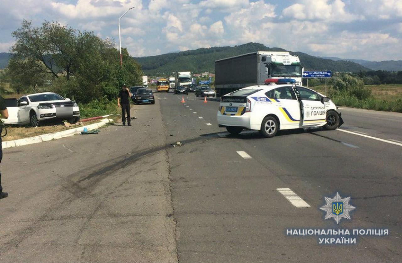 """Аварія на трасі """"Київ-Чоп"""": постраждали 4 людей"""